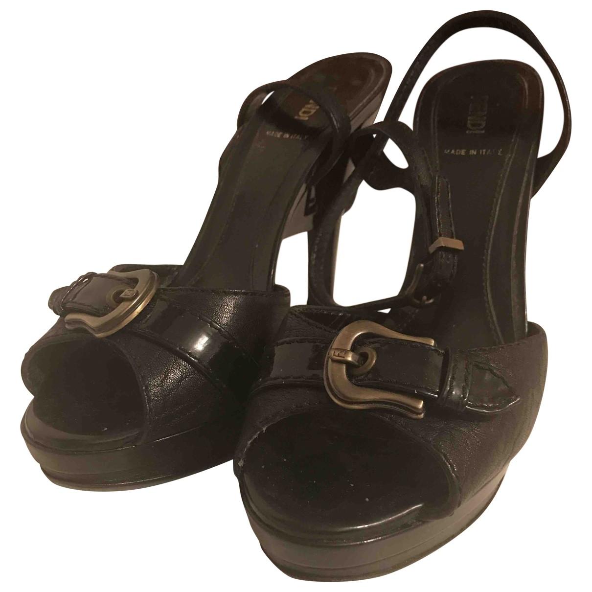 Fendi \N Black Leather Sandals for Women 39 EU