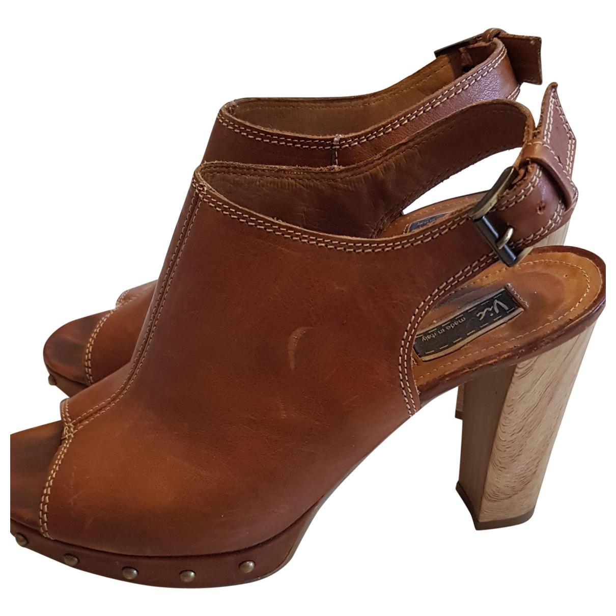 Vic Matie - Sabots   pour femme en cuir - marron