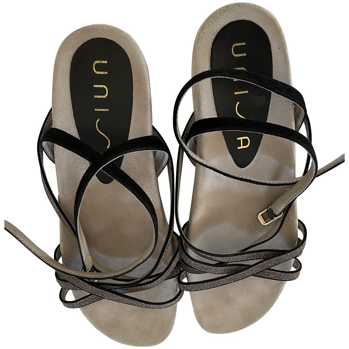 Sandalias romanas de Cuero Unisa