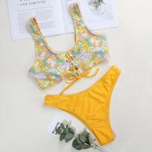 Bikini Badeanzug mit Blumen Muster und Band vorn