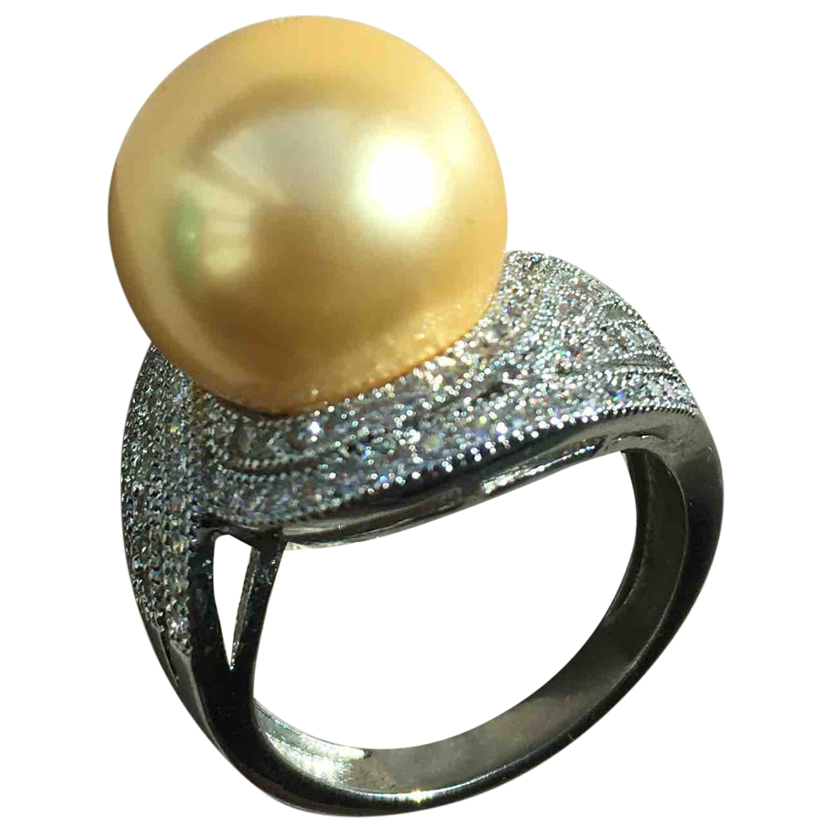 Non Signe / Unsigned Art Deco Ring in  Gold Metall