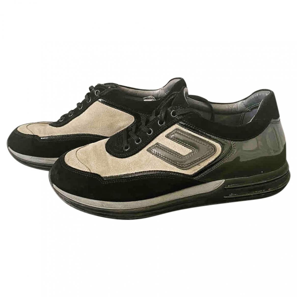 Cesare Paciotti \N Sneakers in  Beige Veloursleder