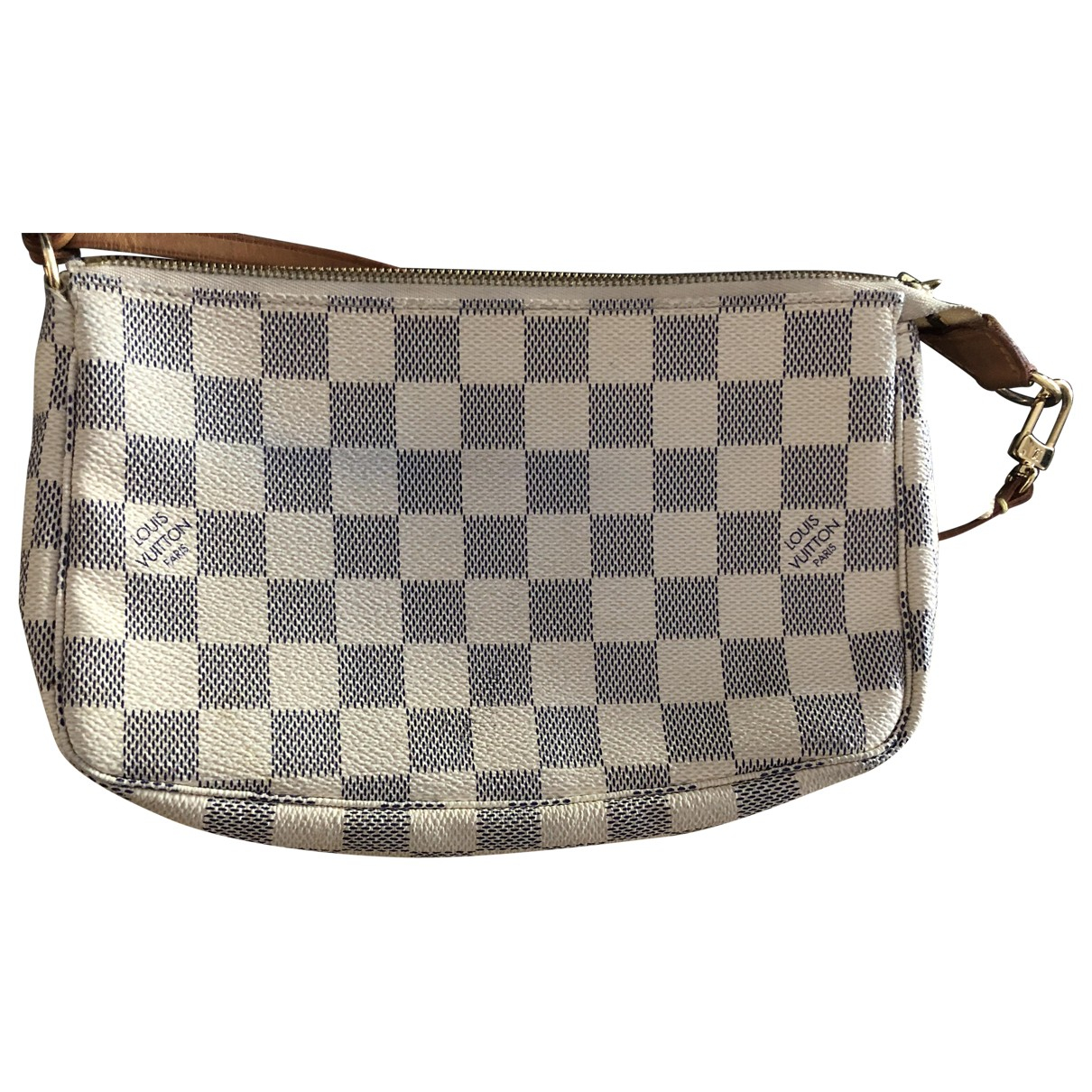 Louis Vuitton Pochette Accessoire Clutch in  Weiss Leinen