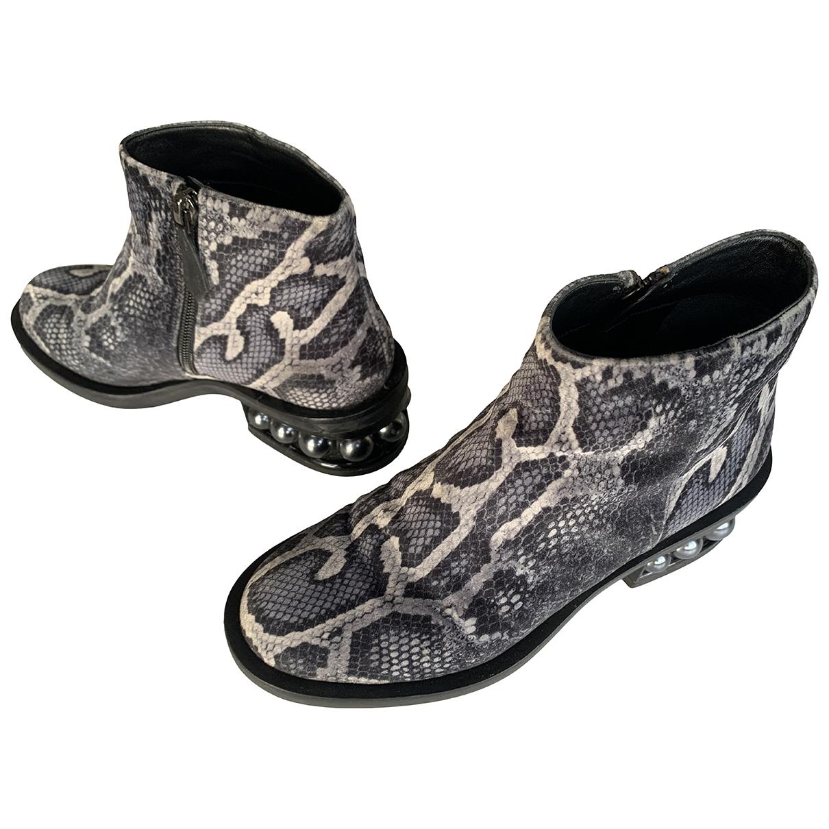 Nicholas Kirkwood - Boots   pour femme en velours - gris