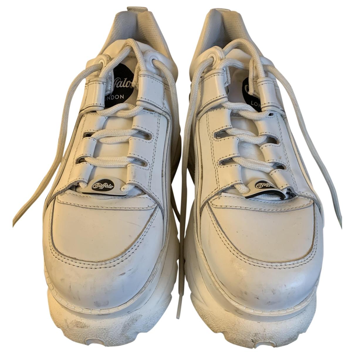 Buffalo \N Sneakers in  Weiss Leder