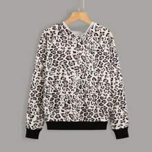 Hoodie mit Leopard Muster und Kaenguru Taschen