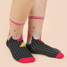 Graphic Contrast Mesh Socks