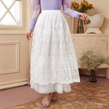 Falda de malla con bordado barroco