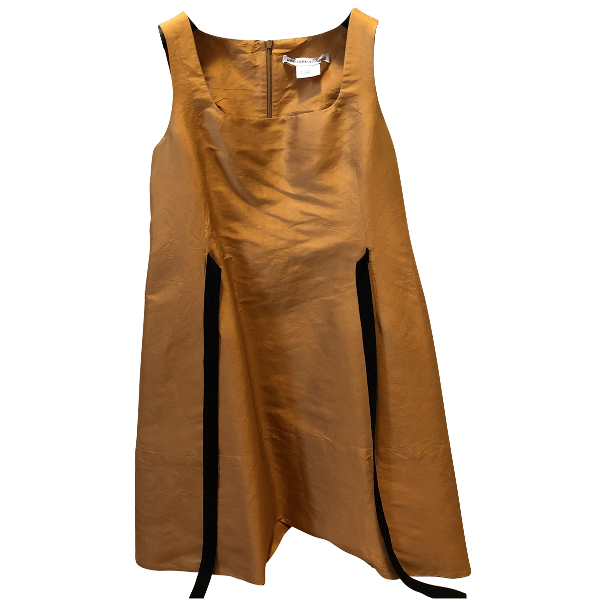 Non Signe / Unsigned \N Kleid in  Gold Seide