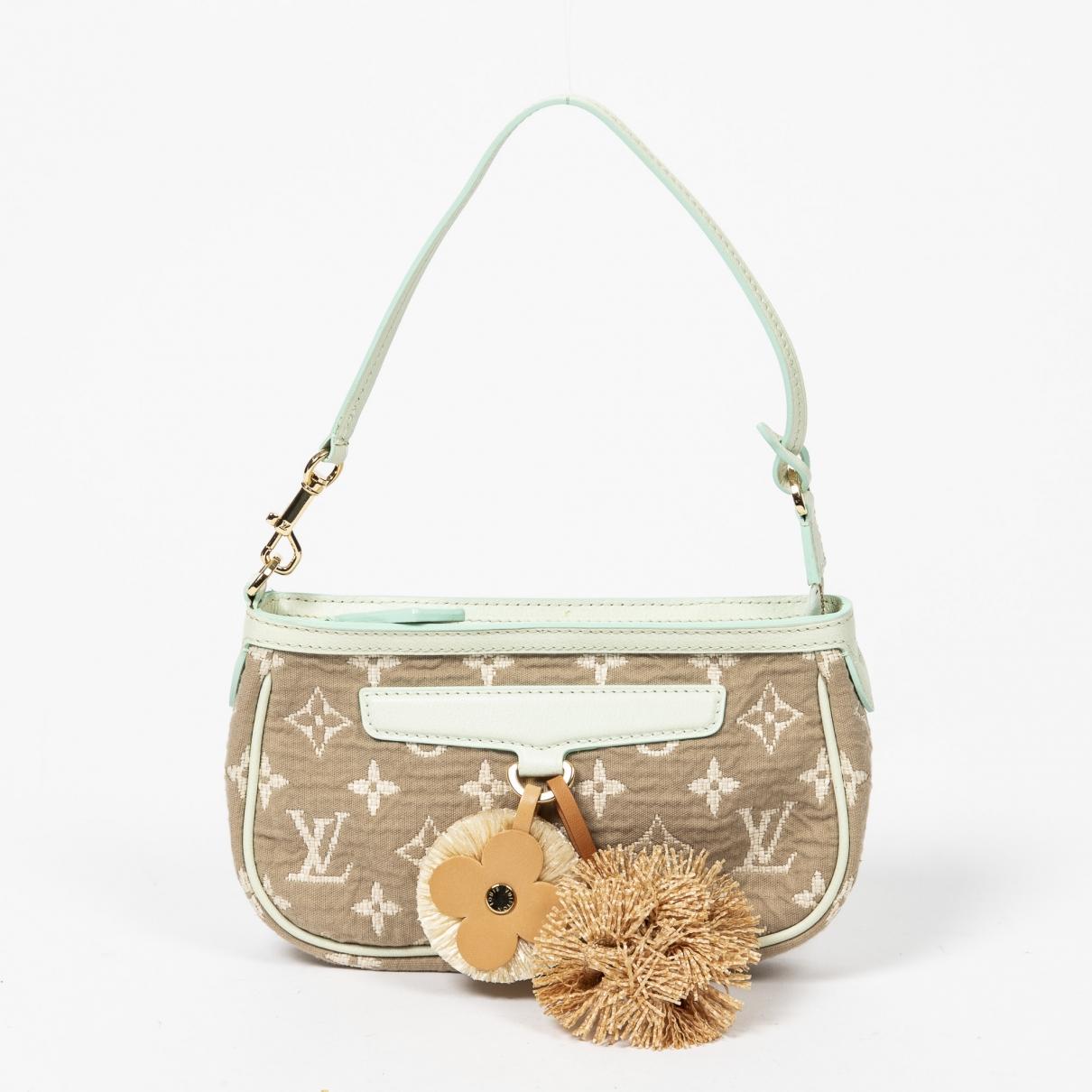 Louis Vuitton Pochette Accessoire Cloth Clutch bag for Women \N