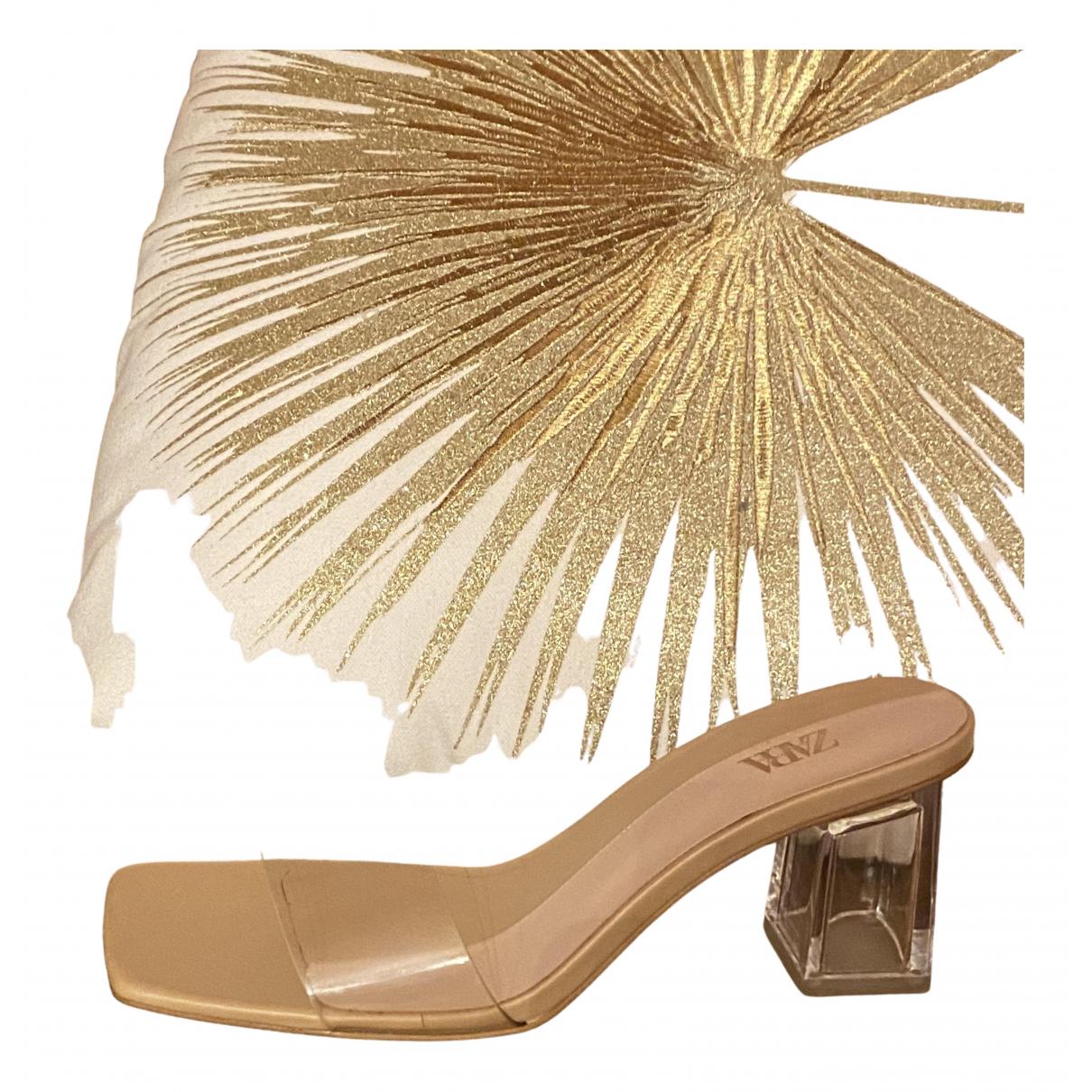 Zara \N Sandalen in Kunststoff