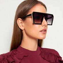 Gafas de sol arriba plana