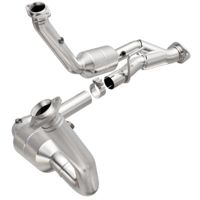 MagnaFlow Direct Fit California Catalytic Converter - 545709
