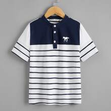 Polo Shirt mit Pferd Muster und Streifen