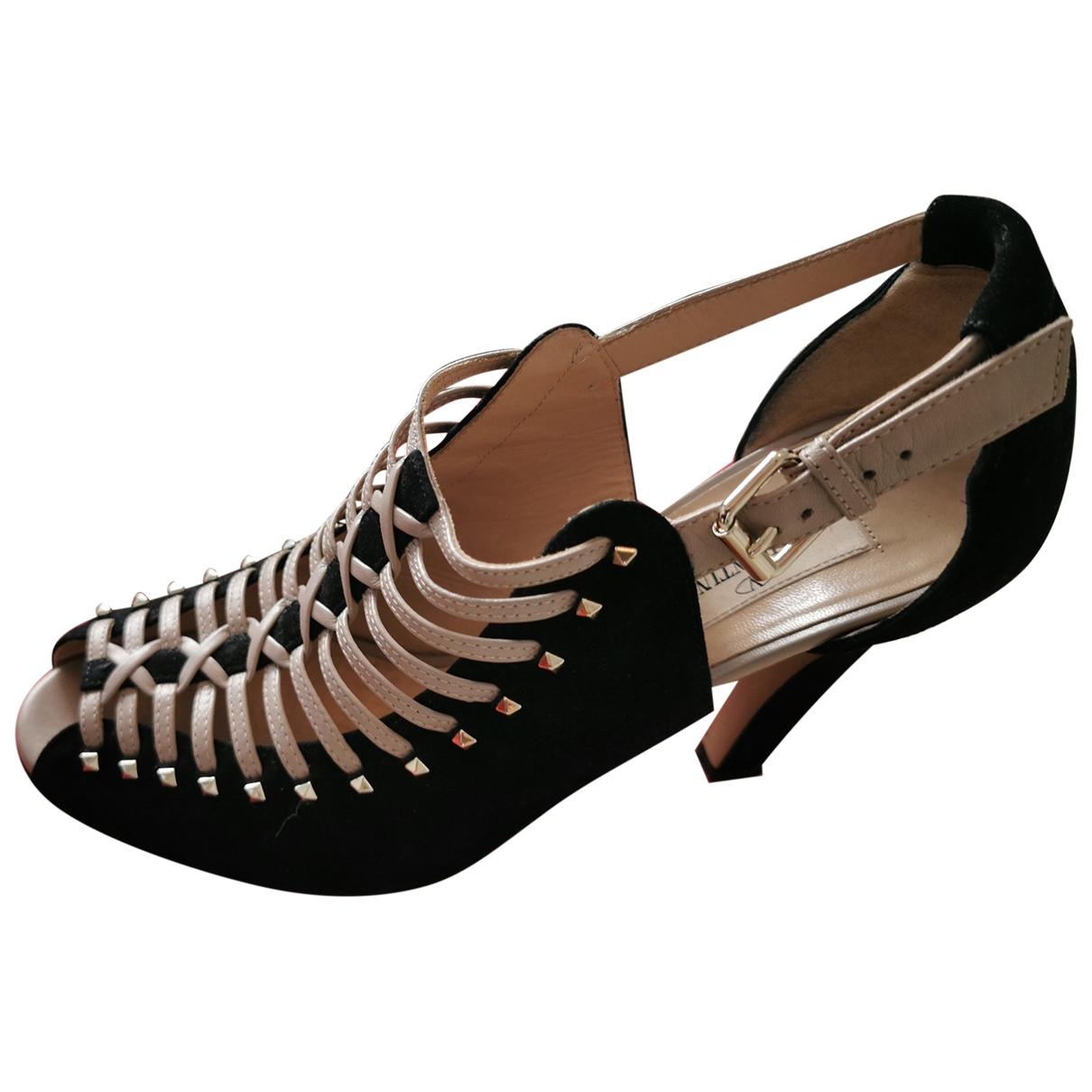 Valentino Garavani \N Black Suede Sandals for Women 38 EU