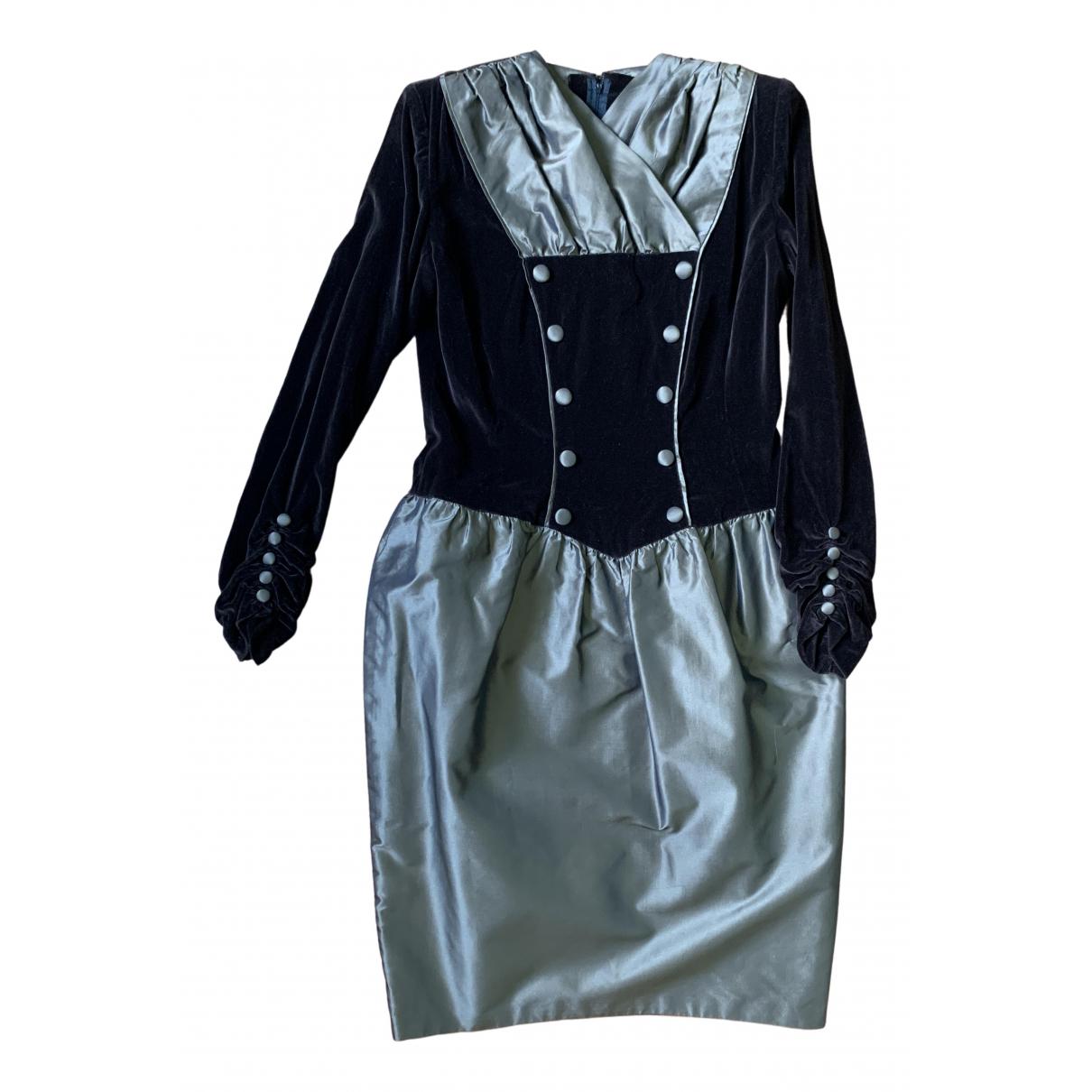 Non Signe / Unsigned \N Kleid in  Braun Samt