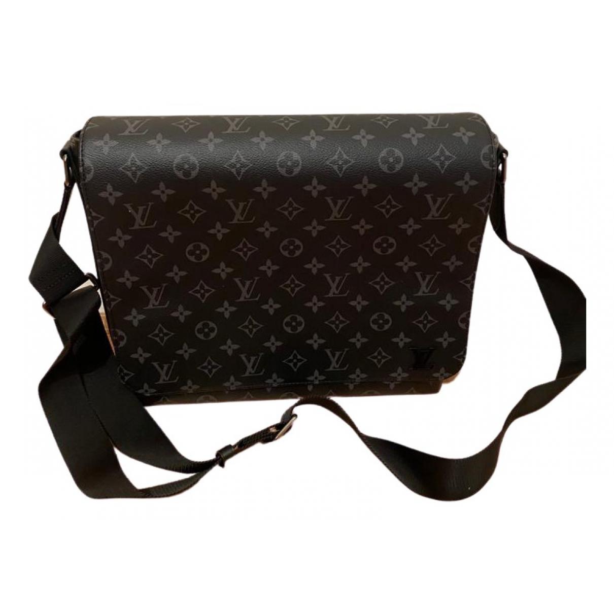 Louis Vuitton District Black Cloth bag for Men \N