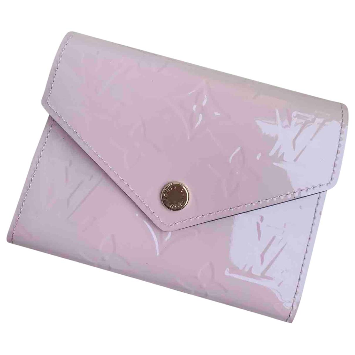 Louis Vuitton - Portefeuille Victorine pour femme en cuir verni - rose