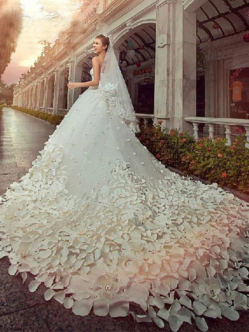 Sweetheart Cathedral Train Flower Beading Wedding Dress