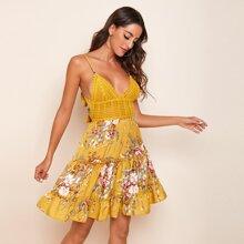 Figurbetontes Cami Kleid mit Band hinten und Blumen Muster