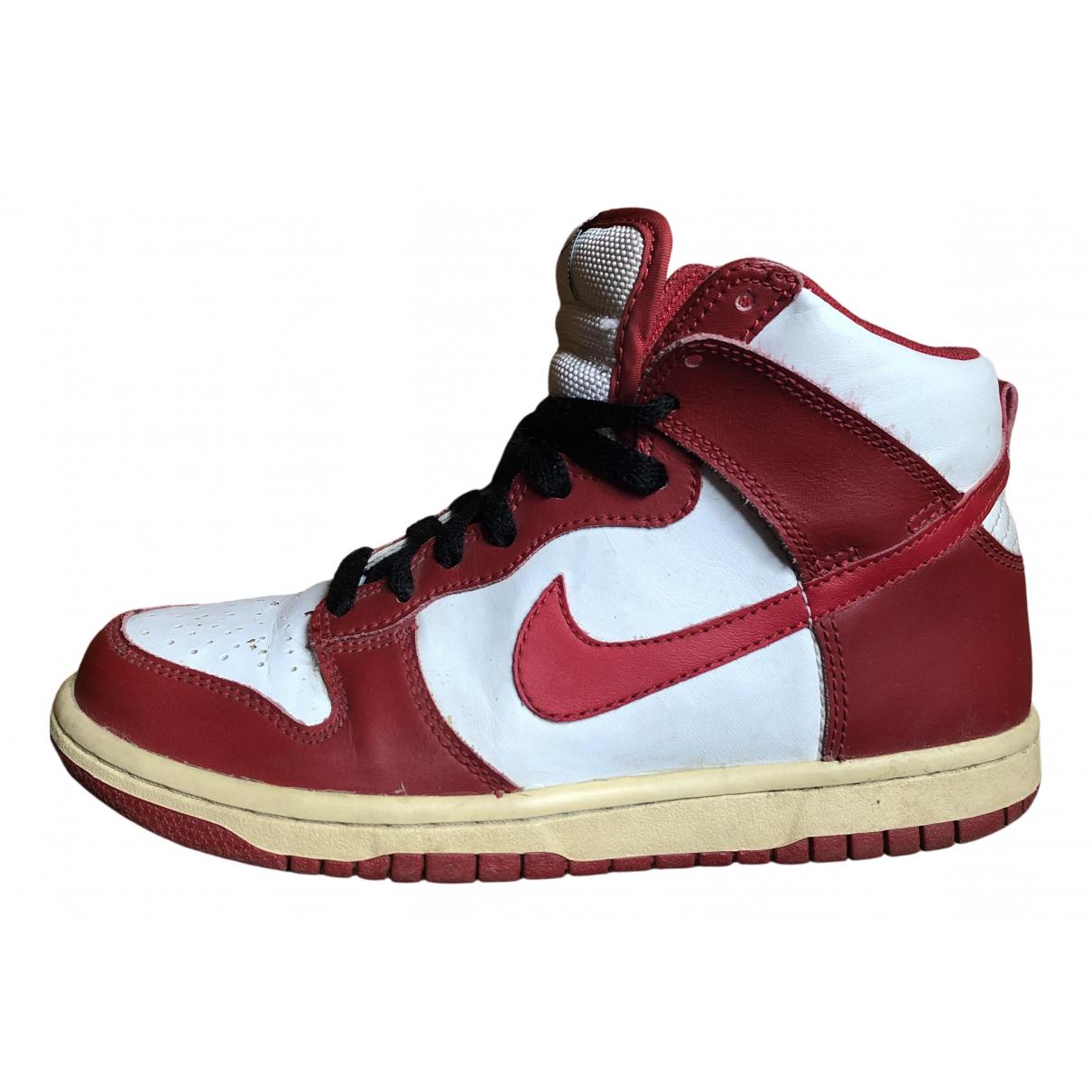Nike - Baskets SB Dunk  pour femme en cuir - rouge