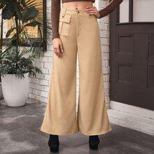 Hose mit Taschen Klappen und breitem Beinschnitt