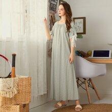 Maxi Kleid mit Bluemchen, Karo Muster und Manschetten