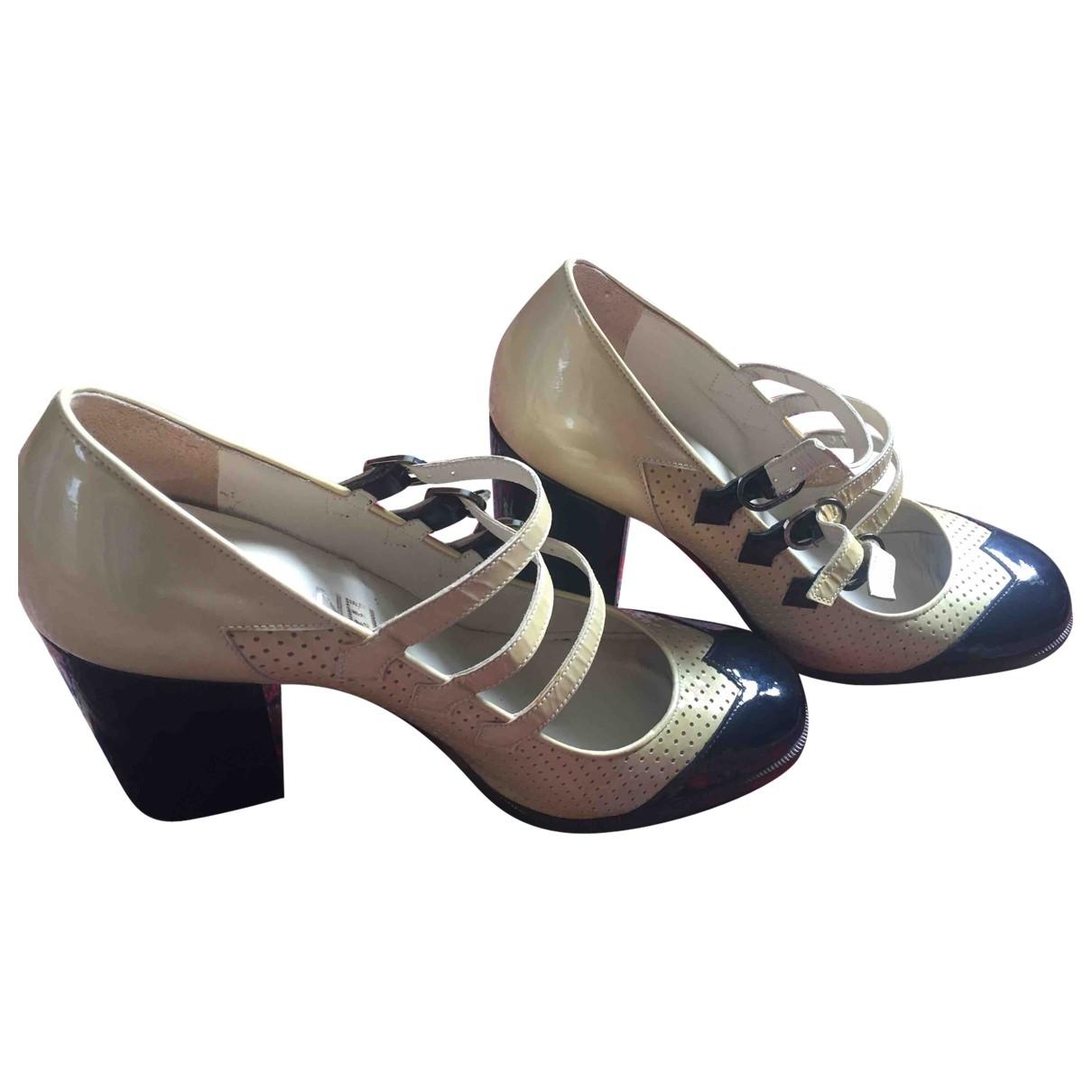 Chanel \N Ecru Patent leather Heels for Women 37.5 EU