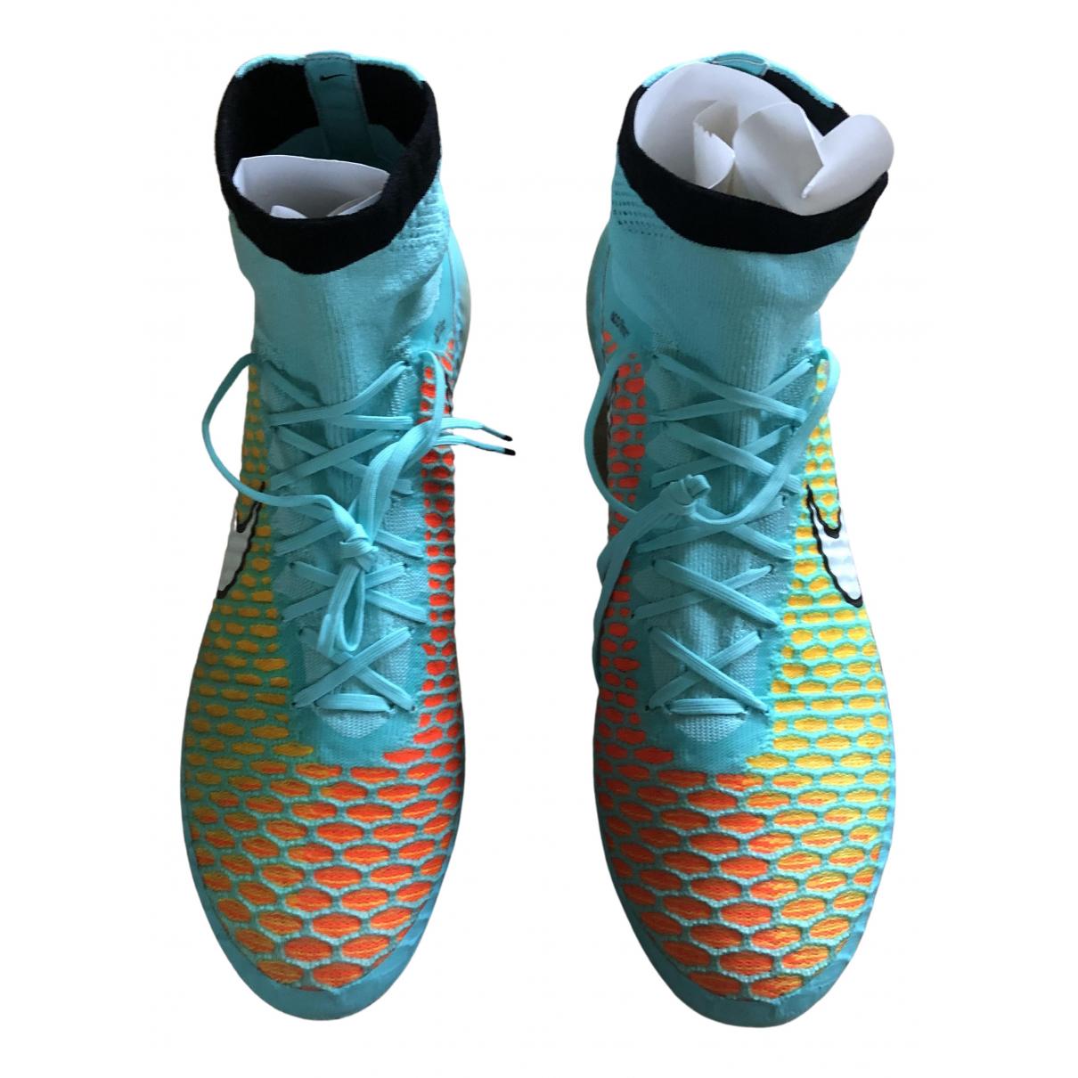 Nike \N Sneakers in  Tuerkis Leder