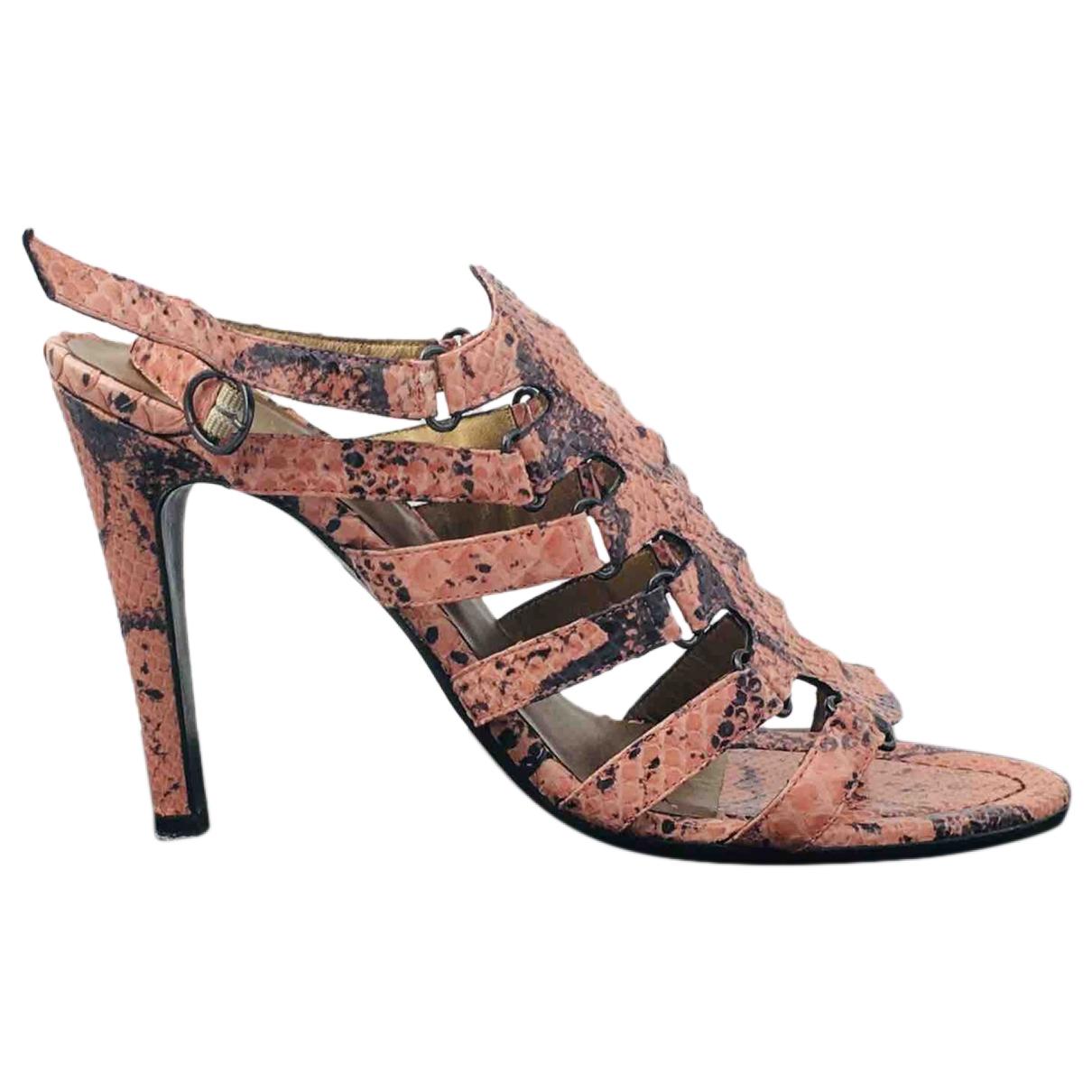 Bottega Veneta - Sandales   pour femme en python - rose