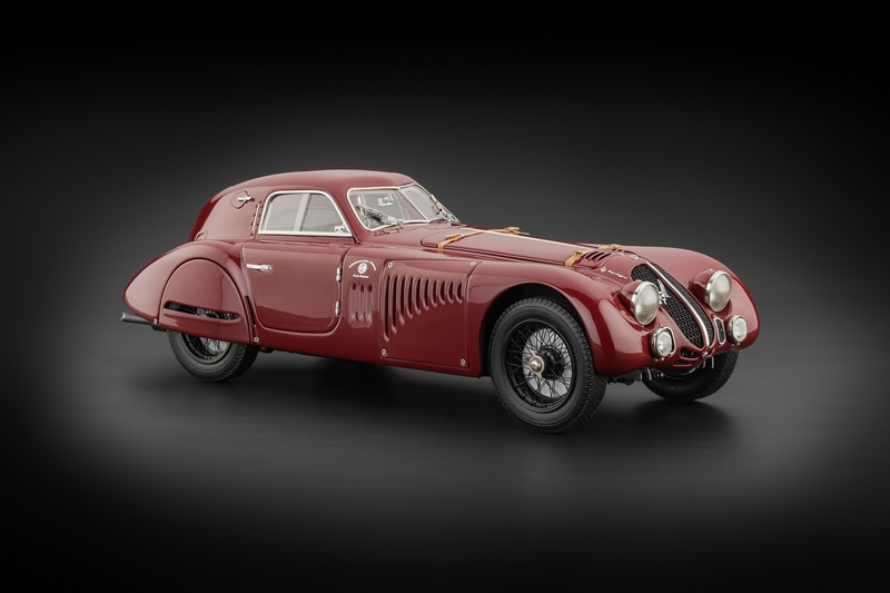1938 Alfa Romeo 8C 2900 B Speciale Touring Coupe RHD (Right Hand Drive) 1/18 Diecast Model Car by CMC