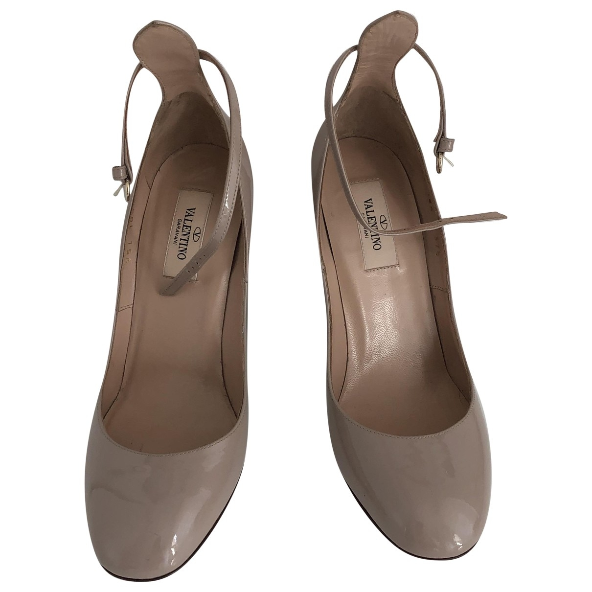 Valentino Garavani \N Pumps in  Beige Lackleder