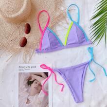 Dreieckiger Bikini Badeanzug mit Kontrast Bindung und seitlichem Band
