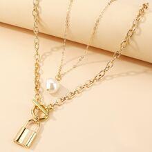 2pcs Faux Pearl Decor Lock Charm Necklace