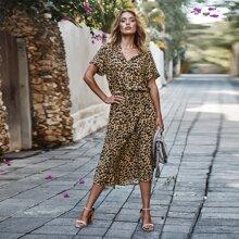 Kleid mit Leopard Muster und Kordelzug um die Taille