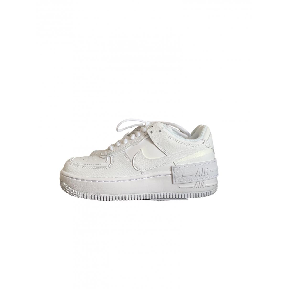 Nike Air Force 1 Sneakers in  Gelb Leder