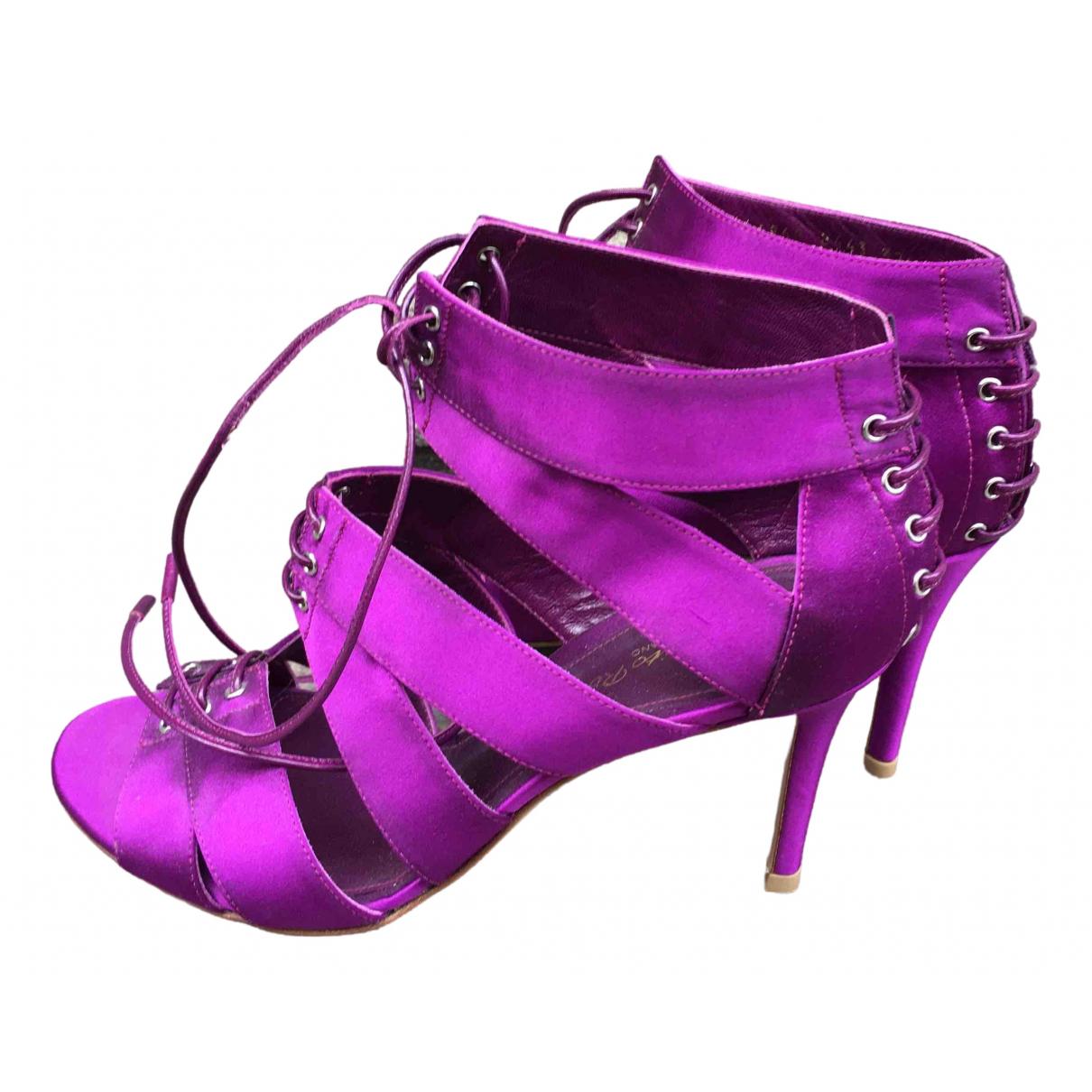 Gianvito Rossi \N Purple Cloth Heels for Women 37.5 EU