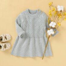 Pullover Kleid mit Knopfen und Rueschenbesatz