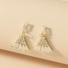 Dreieckige Ohrringe mit Strass
