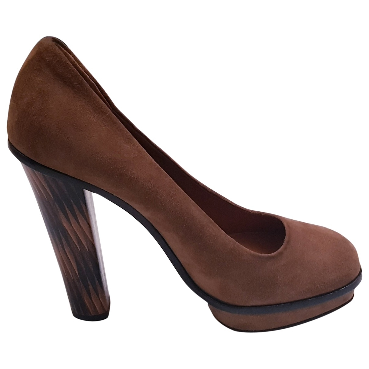Fendi \N Pumps in  Kamel Veloursleder