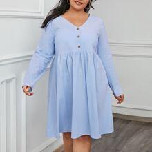 Kleid mit Knopfen vorn