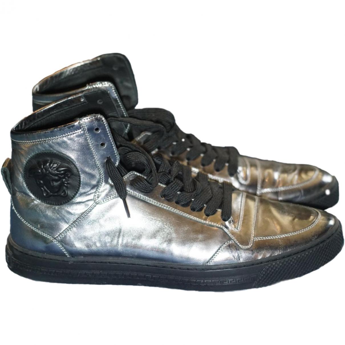 Versace \N Sneakers in  Silber Leder
