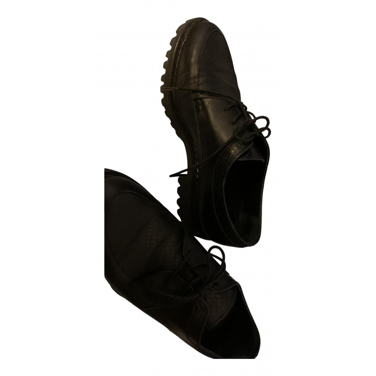 Carel \N Schnuerschuhe in  Schwarz Leder
