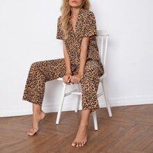 Schlafanzug Set mit Reverskragen und Leopard Muster