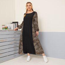 Gespleisstes Tunika Kleid mit Leopard Muster und Bischofaermeln