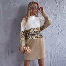 Kleid mit gerolltem Kragen und Leopard Muster ohne Guertel