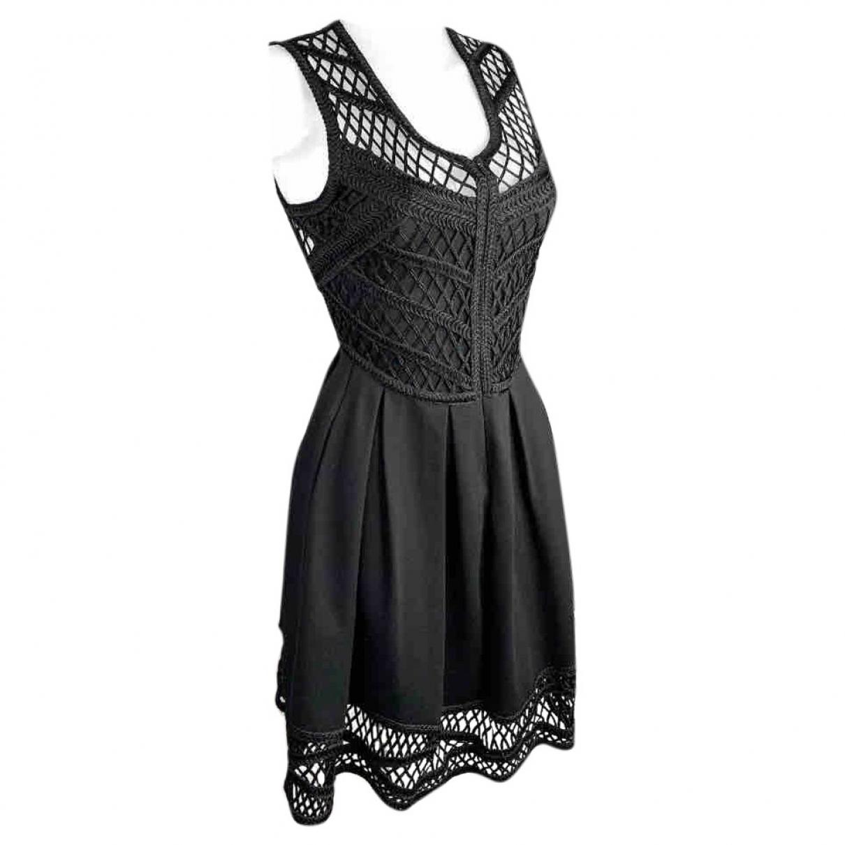 Maje \N Kleid in  Schwarz Viskose