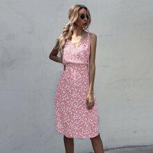 Cami Kleid mit ueberallem Muster und gebogenem Saum