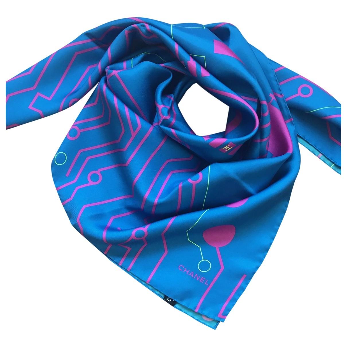 Chanel \N Tuecher in  Blau Seide