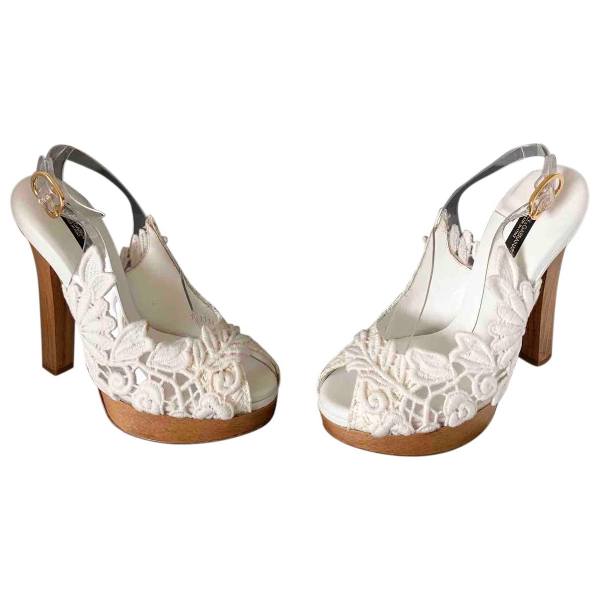 Dolce & Gabbana \N Sandalen in  Weiss Leinen